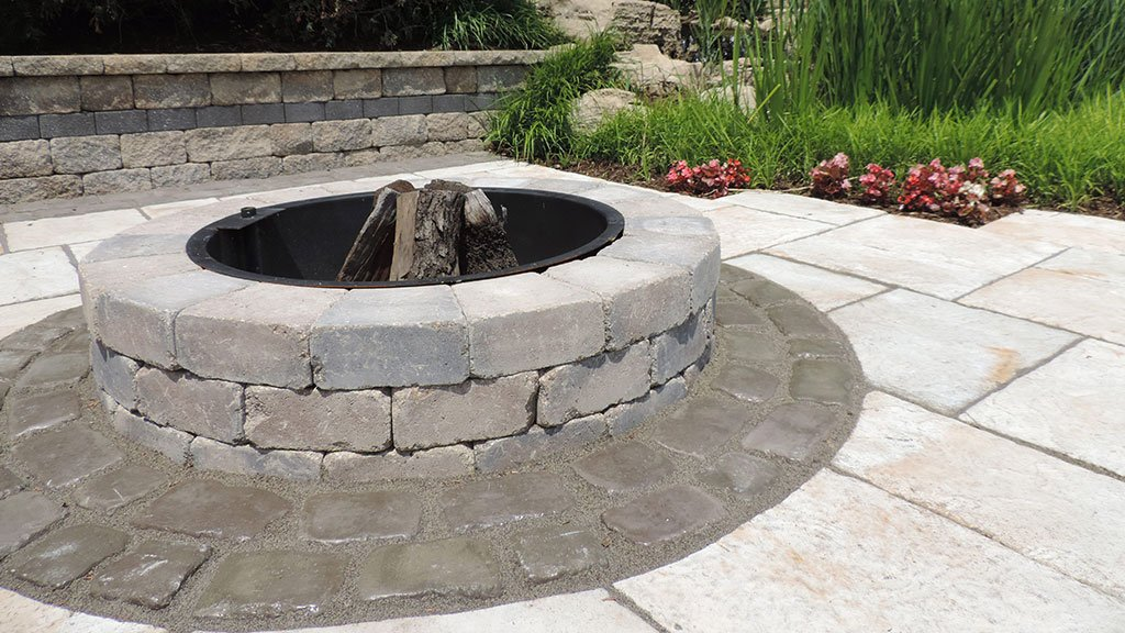 Round Firepit with ring insert and cooking grate. Approx Weight - Sunset Fire Pits – Wilson Nurseries