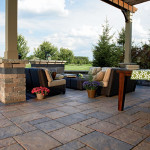 unilock-beacon-hill-flagstone-patio